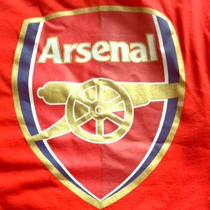 Arsenal logo shirt